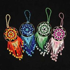 I like the pink one the most Making Dream Catchers, Small Dream Catcher, Crochet Projects, Craft Projects, Crochet Dreamcatcher, Dream Catcher Necklace, Native American Crafts, Dot Painting, Diy Arts And Crafts