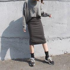 pencilskirtsneakers32