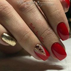 Classic red nails Festive nails Foil nail art Long nails Nails trends 2018 Plain nails Red and gold nails Vivid nails Red And Gold Nails, Red Nails, Glitter Nails, Red Gold, Red Glitter, Red Nail Designs, Best Nail Art Designs, Acrylic Nail Designs, Gold Manicure