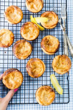 These are the easiest and best Thermomix Portuguese custard tarts I have come across so far. The recipe is so simple and ready in no time. Thermomix Desserts, Easy Desserts, Gourmet Desserts, Plated Desserts, Mini Desserts, Delicious Desserts, Portuguese Tarts, Portuguese Food, Rough Puff Pastry