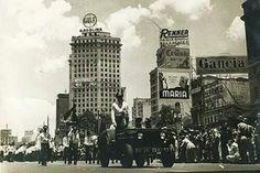1954 - Desfile militar pela comemoração do quarto centenário da fundação da cidade.