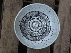 """Вазы ручной работы. Ярмарка Мастеров - ручная работа. Купить Чаша """" Следы на снегу"""". Handmade. Белый, орнамент, глина"""