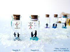 You are My Penguin. Te quiero. Mensajes de amor. Mensaje en una botella. Miniaturas. Regalo personalizado. Divertida postal. de EyMyMessage en Etsy