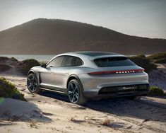 porsche-mission-e-cross-turismo-16.jpg