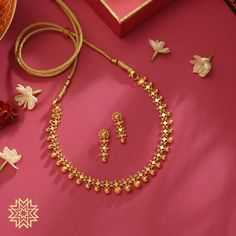 Cute Gold Necklace From Manubhai Jewels ~ South India Jewels Gold Necklace Simple, Gold Jewelry Simple, Gold Necklaces, Earings Gold, Cute Necklace, Layered Necklace, Necklace Chain, Jewelry Design Earrings, Gold Earrings Designs