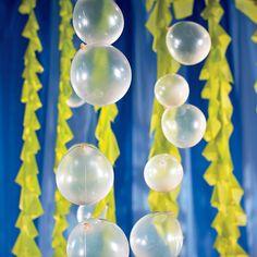 Under+the+Sea+Balloon+Bubble+Garland+Décor+Idea+-+OrientalTrading.com