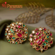 Indian Jewelry Earrings, Jewelry Design Earrings, Gold Earrings Designs, Gold Jewellery Design, Necklace Designs, Ear Jewelry, Temple Jewellery, Designer Earrings, Fine Jewelry