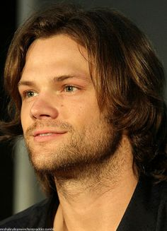 But oh my goodness look at his wonderfully fluffy hair and scruff and barely there dimple and beautiful eyes and good lord Jared WHHHYYYY??!!?
