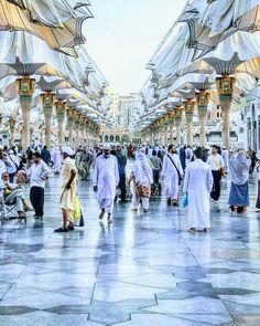 Islamic Pictures, Old Pictures, Beautiful Mosques, Beautiful Places, Islam Muslim, Islamic Architecture, Madina, Mecca, Saudi Arabia