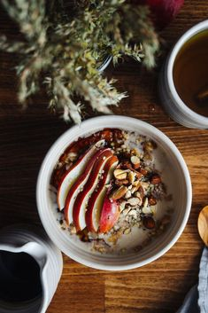 Simply Saturday Warm Maple & Pear Soaked Porridge by Faring Well Breakfast Bowls, Healthy Breakfast Recipes, Brunch Recipes, Vegan Recipes, 12 Recipe, Good Food, Yummy Food, Granola, Food Inspiration