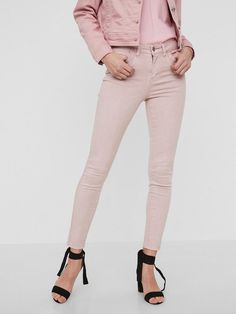 Vero Moda Slim Fit Knöchel Hose für 39,99€. Knöchellange Hose in Skinny Fit, Normal Waist mit Gürtelschlaufen, Taschen mit Details vorn und hinten bei OTTO