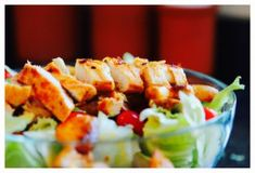 Rezept für einen Salat mit Putenbruststreifen | Low-Carb-Ernährung