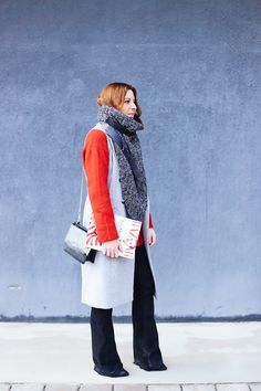 http://whoismocca.com/wp-content/uploads/2016/01/whoismocca-modeblog-fashionblog-influencer-oversize-schal-les-darcs-flared-jeans-weste-rollkragen-layering-lagenlook-innsbruck-1.jpg