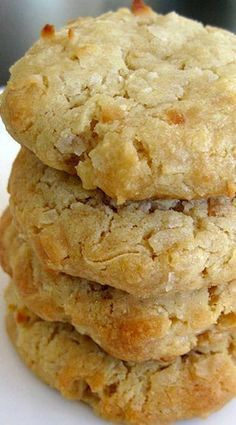Coconut Cream Cheese Cookies - Cookie Recipes for Kids Candy Cookies, Keto Cookies, Yummy Cookies, Cookies Et Biscuits, Cheesecake Cookies, Bar Cookies, Coconut Cheesecake, Toffee Cookies, Homemade Cookies