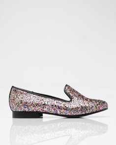 I don't usually dig the glitter on shoes...but I do love these...