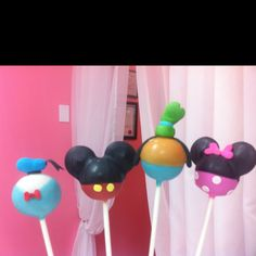 Mickey Mouse Party Cake Pops
