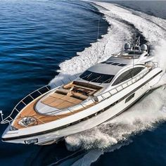 Lux Yachts, Best Yachts, Yachting Club, Boat Fashion, Fast Boats, Yacht Interior, Yacht Boat, Floating In Water, Super Yachts