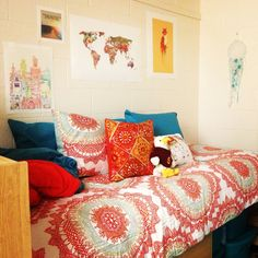 A place for college students to get decoration inspiration, advice, and showcase their own dorm. Salisbury University, University Dorms, Cool Dorm Rooms, Student Room, College Apartments, Bedroom Apartment, Apartment Ideas, Dorm Decorations, Room Inspiration