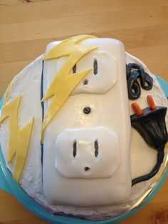 electrician cake Cakes by meeeee Pinterest Cake Cake