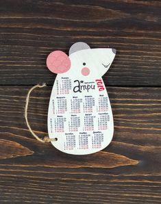 Новогодние деревянные открытки - деревянные открытки на новый год New Year Card, New Year 2020, Christmas Pictures, Animal Drawings, Book Art, Hello Kitty, Diy And Crafts, Calendar, Presents