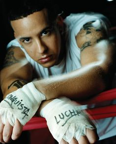 Mmm love me some Daddy Yankee Puerto Rico, Puerto Rican Men, Daddy Yankee, Puerto Rican Singers, The Big Boss, Interracial Love, Latin Music, Man Alive, Good Looking Men