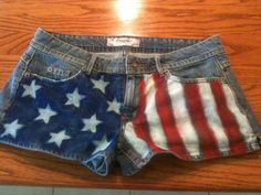 These American Flag shorts are so easy to make, I think it's really clever how it's done, too! http://www.cutoutandkeep.net/projects/star-spangled-shorts << link here