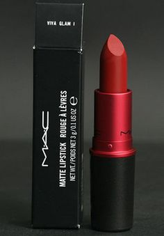 Mac lipsticks 401594491773207420 - MAC VIVA GLAM I. This is my go-to red. Perfect blend of red and a hint of brown. Looks great on everyone so makes a fab gift! Source by Best Mac Makeup, Latest Makeup, Best Makeup Products, Mac Lipstick Shades, Mac Matte Lipstick, Mac Lipsticks, Perfume, Ombre Lips, Viva Glam