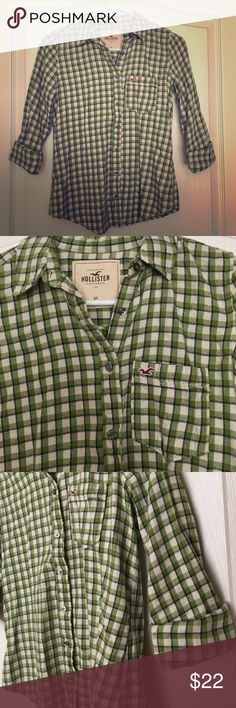 Hollister green flannel Hollister green flannel, barely worn, great condition!! Image shows sleeves rolled up but are full length when unrolled, SUPER cute with a vest over or scarf! Hollister Tops Button Down Shirts