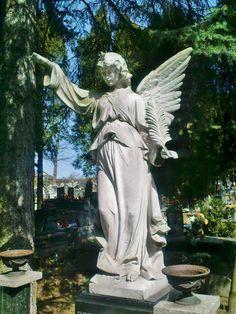 Łużna - Guardian Angel statue