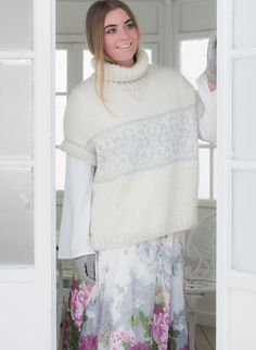 English pattern TR 101 Trend ICE -wide top with rosepattern