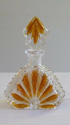 Beautiful Perfume, Vintage Perfume Bottles, Arabian Nights, Bottle Art, Vanity Set, Decorative Items, Vintage Art, Martial Arts, Glass