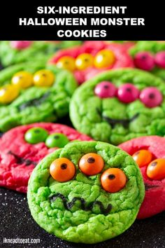 These Six-Ingredient Cake Mix Halloween Monster Cookies are the perfect 'scary' treat to bake with your kids. These Halloween cookies do not require special ingredients or difficult decorating techniques so anyone can make them. And you can customize them Halloween Treats To Make, Halloween Cookie Recipes, Soirée Halloween, Halloween Sweets, Halloween Food For Party, Easy Halloween Cakes, Scary Halloween Cookies, Holloween Cookies, Halloween Food Ideas For Kids