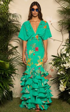 Get inspired and discover Johanna Ortiz trunkshow! Shop the latest Johanna Ortiz collection at Moda Operandi. Fashion 2017, Look Fashion, Runway Fashion, High Fashion, Fashion Outfits, Womens Fashion, Fashion Design, Elegant Dresses, Beautiful Dresses