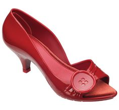 These kitten heels would look so fab with my navy/white polka dot dress!