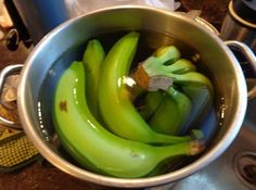 Remedies For Insomnia Banana Cinnamon Tea Recipe For Deep Sleep (Works Better Than Sleeping Pills! Banana Cinnamon Tea, Banana Tea, Herbal Remedies, Health Remedies, Banana Before Bed, Healthy Drinks, Healthy Recipes, Healthy Food, Natural Sleeping Pills