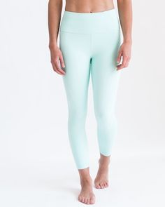 The name says it all. These capris are built with great compression properties but also with a fabric so light that you barely know they're on. Constructed with sweat wicking 4 way stretch fabric to make these the ultimate performance leggings. Constructed with pockets on both legs.