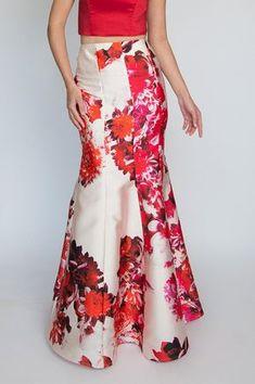 4b33df764b La falda sirena es una de las más elegantes y proporciona un magnífico  realce a las