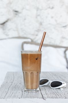 Vegan Kitchen, Iced Coffee, Plant Based, Food Photography, Coffee Maker, Easy Meals, Milk, Kitchen Appliances, Coffee Maker Machine