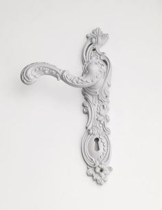 classic style metal door handle on back plate c01900 italian