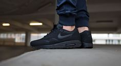 """Nike Air Max 1 Essential """"All Black"""" bei Afew  http://www.afew-store.com/de/nike-air-max-1-essential-black/"""
