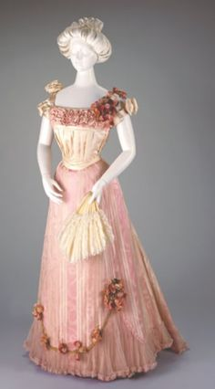 Silk Evening Dress, bodice and skirt, from 1898-1901 made/designed by Mary Donegan (American, active 1880-1895) in the Cincinnati Art Museum.
