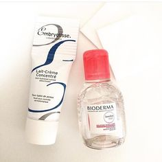 Travel size iconic skincare essentials: Embryolisse Lait-Crème Concentré and Bioderma Sensibio H2O micellar water cleanser. Both available at OFFEN.  @pearlsinblueboxes #Embryolisse #bioderma #travelsize #skincare #travelessentials #offenstore