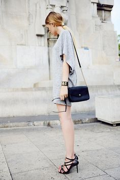 simple mini. flutter sleeve. tiny black bag.