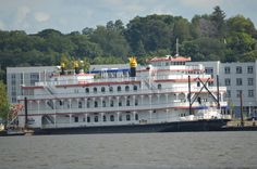 Philadelphia Belle on the Mississippi River at Bettendorf, Ia.