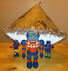 Pañuelos Familia® Chic Metallic. Un toque Chic que le dará brillo a cualquier lugar. Robots, Jitter Glitter, Robot