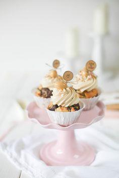 Erdnuss-Schoko-Cupcakes mit Bananenbuttercreme - Von Honig und Vanille