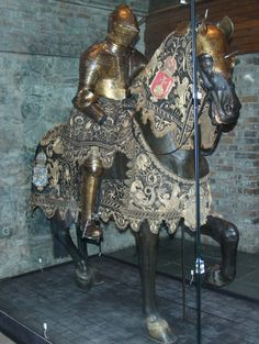 I adore these ornate horse trapping! (The Royal Armory, Stockholm) ~Splendor Horse Armor, Horse Gear, Horse Tack, Medieval Horse, Medieval Armor, Armor All, Arm Armor, Sea Peoples, Horse Costumes