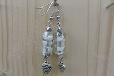 Earrings white 'made with love € 5.50