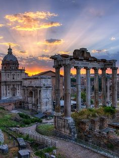 @StudentUniverse #neverhaveiever Definitely would love to tour historic Rome if given an opportunity to visit ITALY! Ciao bella* Tabellarium - Roman Forum