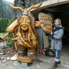 Chainsaw wood carving viking from woodcarving.sk